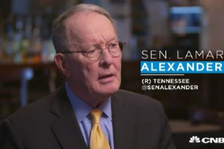 Sen. Lamar Alexander: Trump Should do for Immigration What Nixon Did for China
