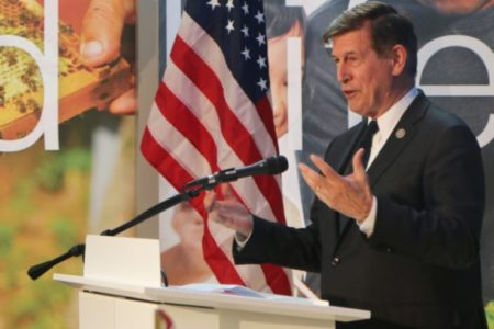 Beyer Urges Trump to Strike Immigration Deal With Democrats, End Government Shutdown