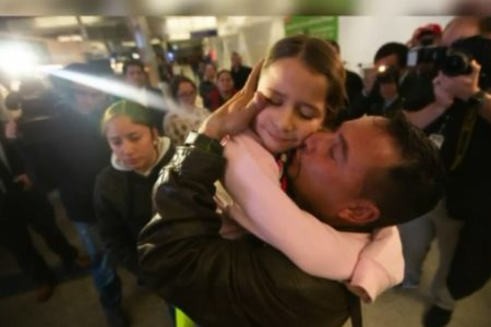 9 Migrant Parents Arrive at LAX to Reunite With Children After Being Separated Since 2018