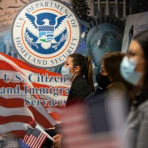 Low-Income US Immigrants Feared Seeking Benefits During Pandemic – Report