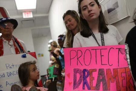 Top Manufacturing Group Presses Congress To Protect 'Dreamers'